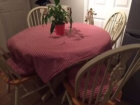 Gorgeous Country Style Dining Table & 4 Chairs