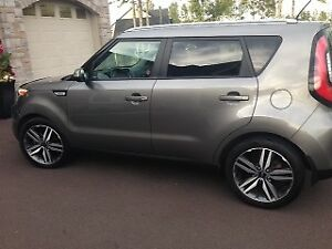 Kia Soul ! leather !! lease take over ! 23months! best deal!!