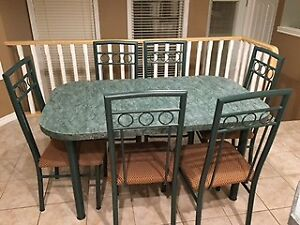 Kitchen table with 6 chairs - very good condition