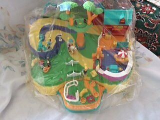 Large Magnetic Polly Pocket Playset