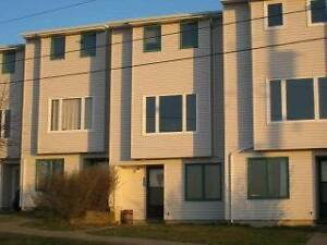 522 Harbour View Cres