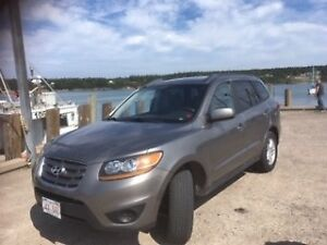 2011 Hyundai Santa Fe Excellent cond, by owner, 17,000 km