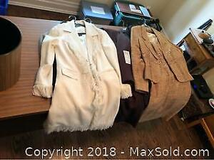14 Pieces of Ladies Apparel Size Large - A