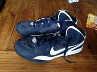 Nike Basketball Trainers - Mens Size 8