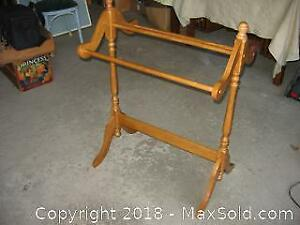 Maple Quilt Rack A