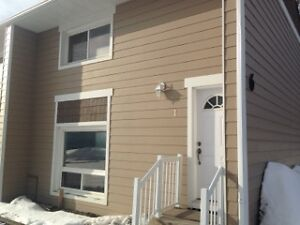 RENOVATED Townhouse  2 bedroom COOKSTOWN / INNISFIL