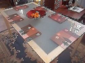 KITCHEN TABLE * DINING ROOM TABLE * FROSTED GLASS TOP * 140cm x 80cm * CLACTON Co15