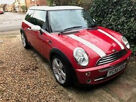 2006 RED MINI COOPER 1600,Excellent runner, cruise control, mot may 18, £2200 ono 1/2 leather