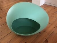 Anima; Hutch, Egg Shaped Hutch for Rabbits, Dogs, Cats...