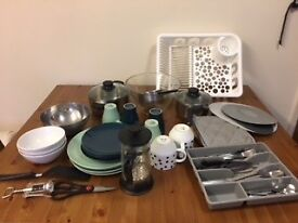 Kitchen set ideal for 2-4 persons: cookware, plates, mugs, cutlery