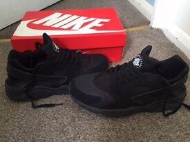 Nike Haurache Black Size 9