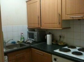 3 Bedroom Furnished First Floor Flat, Iona Street - Non HMO