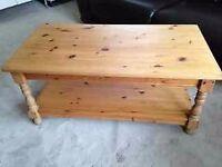 Pine coffee table with shelf