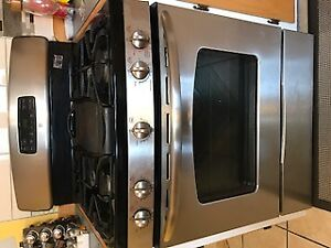 STAINLESS STEEL NATURAL GAS RANGE!!