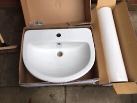 White Ceramic Pedestal Sink (pedestal and basin)