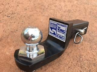 Tow Bar Ball and Hitch - Excellent condition