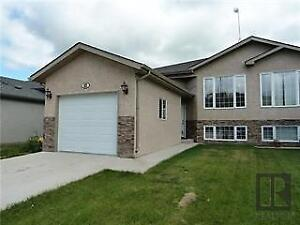 Side by Side for RENT! 10 Minute drive to STEINBACH!!