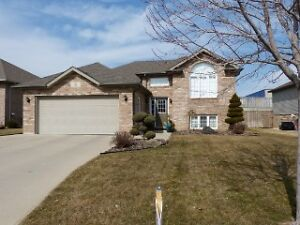 BEAUTIFUL 1350 SQ FT MAIN FLOOR  SOLD SOLD SOLD SOLD