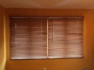 Horizontal Wood Blinds - Hunter Douglas