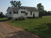 PEI Cottage - minutes from Charlottetown & Brackley Beach