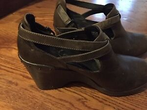 Dansko Women's Shoes- Size 39