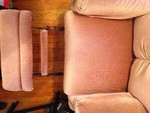 Rocker Recliner, Great Quality and Super Condition! Peterborough Peterborough Area image 2