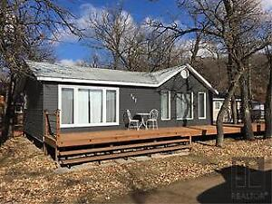 Cottage at Pelican Lake - Furnished and Updated!