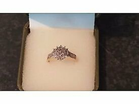new beautiful 9ct gold 1/2 ct diamond ring perfect christmas present or engagement ring