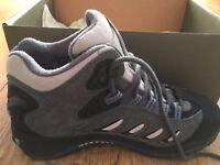 BRAND NEW Merrell Hillwalking Boots Size 5