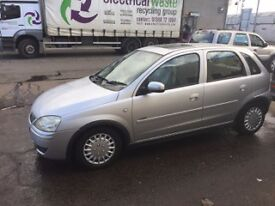 Mint condition vauxhall corsa 05 reg 1 owner £900