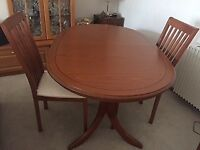 Extending table and 6 matching chairs by MORRIS of Glasgow. Lovely condition