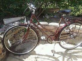 LADIES RALEIGH CAMEO Burgundy VINTAGE BICYCLE.