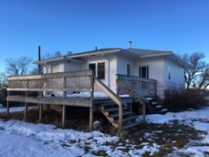 BUNGALOW FOR SALE @ $299,200 FOR 2.9 ACRES,  50 MINS TO CALGARY
