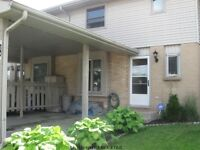 Excellent 3 Bedroom Townhouse in White Oaks with Carport!