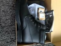 Men's boots (NEW)