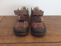 Size 4 1/2 E Clarks toddler boys first shoes