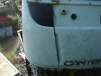 MITSUBISHI CANTER SIDE PANEL 2000 YEAR BREAKING FOR PARTS