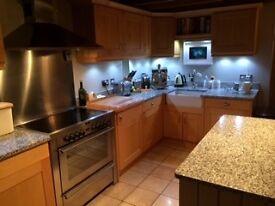 Kitchen Units & Granite Worktops
