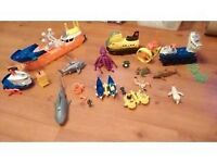 TOY Mega rig building system ships, submarines sharks octopus pengin sea creatures TOYS