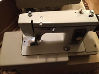 Vintage New Home Sewing Machine- Rarely used:REDUCED FOR QUICK SALE