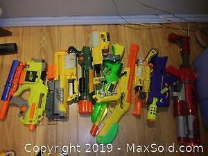 9 Various nerf guns