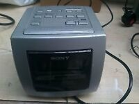 sony dream machine silver retro 3-band RADIO/ALARM clock 70s-80s