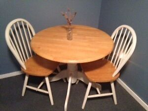 Table with two chairs !