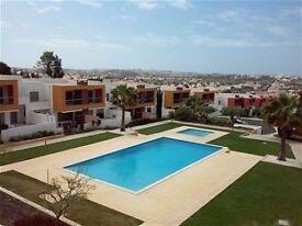 Superb Holiday Apt in Sunny Algarve Air Con / WiFi / Pool/BBQ