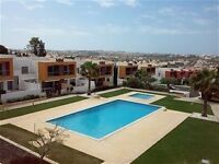 Superb Holiday Apt in Sunny Algarve Air Con / WiFi / Pool/BBQ