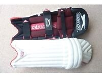 Slazenger Elite Youths Cricket Pads - Great Condition £22