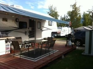 5th Wheel on popular campsite near Salmon Arm