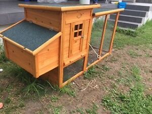 LARGE RABBIT HUTCH **LIKE NEW** Bexley Rockdale Area Preview