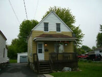 ***WELL MAINTAINED HOME ON HUGE LOT - PRIVATE FINANCING ***