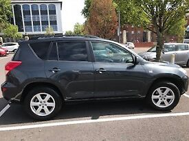TOYOTA RAV4 - Full service history and MOT to May 2019